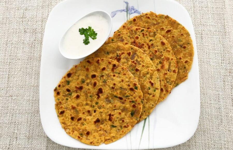 Bajra-Methi Missi Roti Recipe: Desi Foods